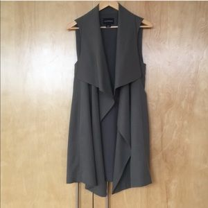 Club Monaco Drape Vest in S/P